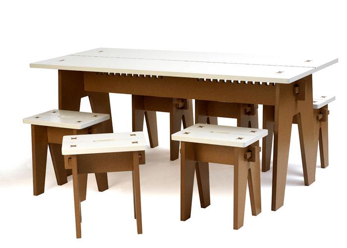 Tisch & Hocker